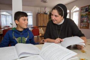 Hilfe bei den Hausaufgaben - und vielen anderen Problemen. (Foto: Achim Pohl)